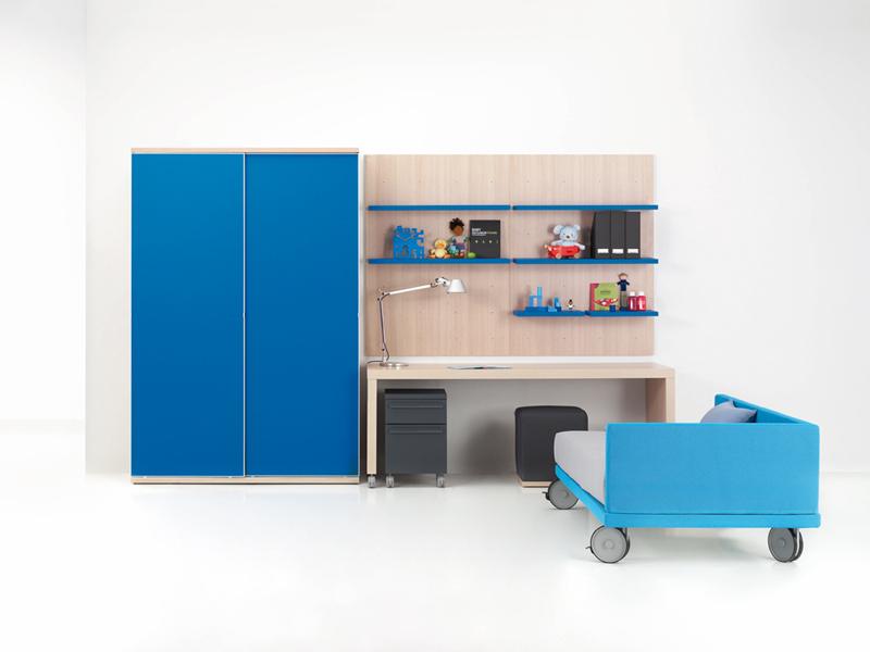 Dormitorio juvenil con cama ruedas kiona salamanca for Muebles de oficina salamanca