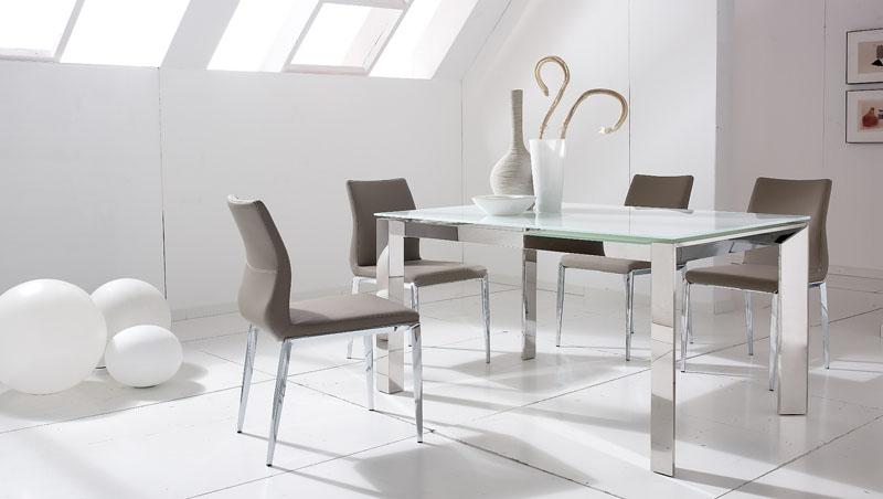 Conjunto mesa de comedor 4 sillas acero lb5 kiona for Sillas de acero para comedor